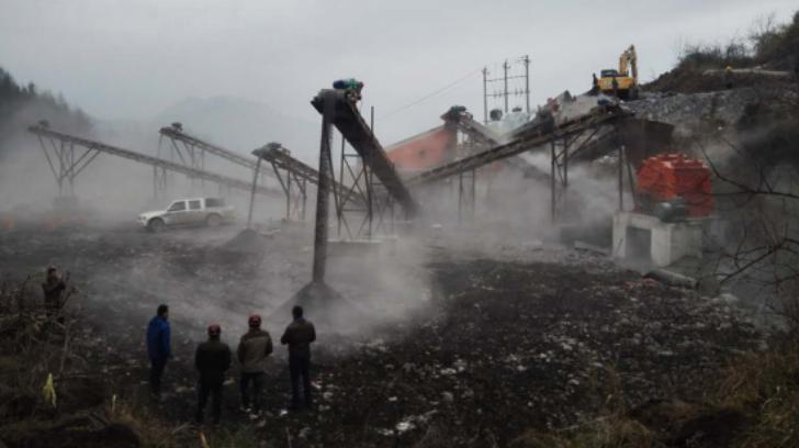 澧縣時產300噸石料生產現場