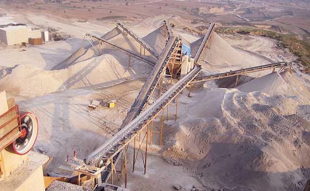 柬埔寨時產500噸砂石料制作現場