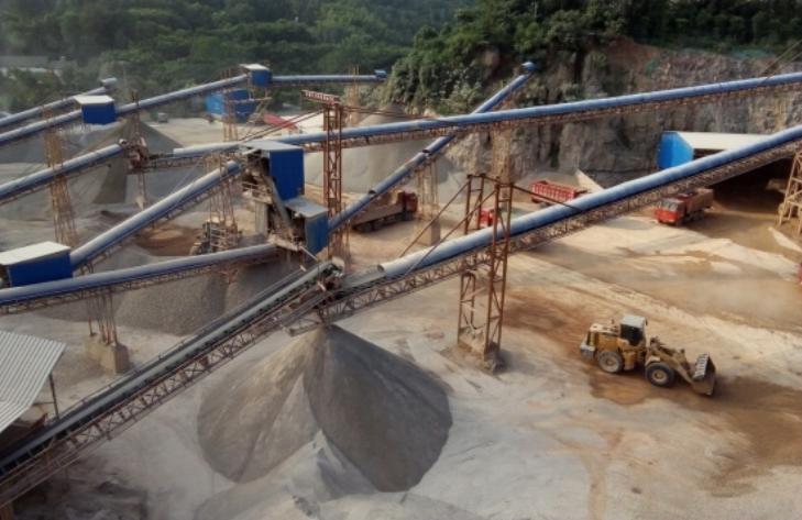 宜都時產300噸制砂現場